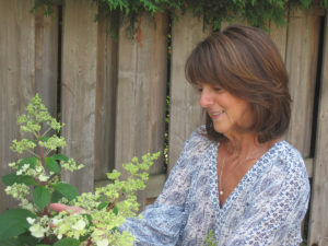 Danielle dans son jardin